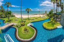 Amazing Pool and Direct Beach Access