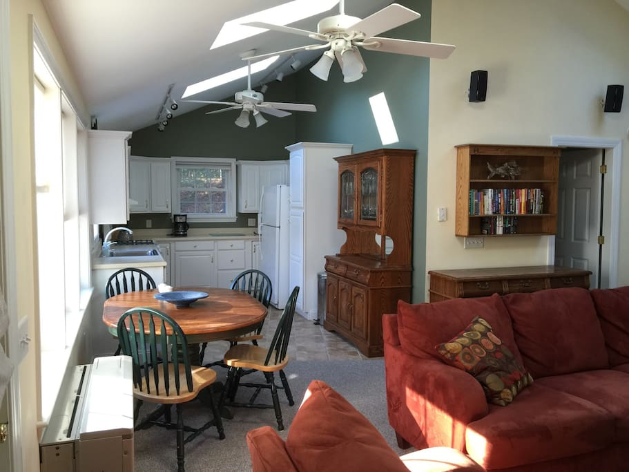 Full Kitchen with Coffee maker, Microwave, Fridge and Propane stove