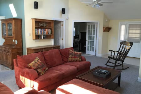 Spacious Apt 1 Mile from Beaches - Biddeford