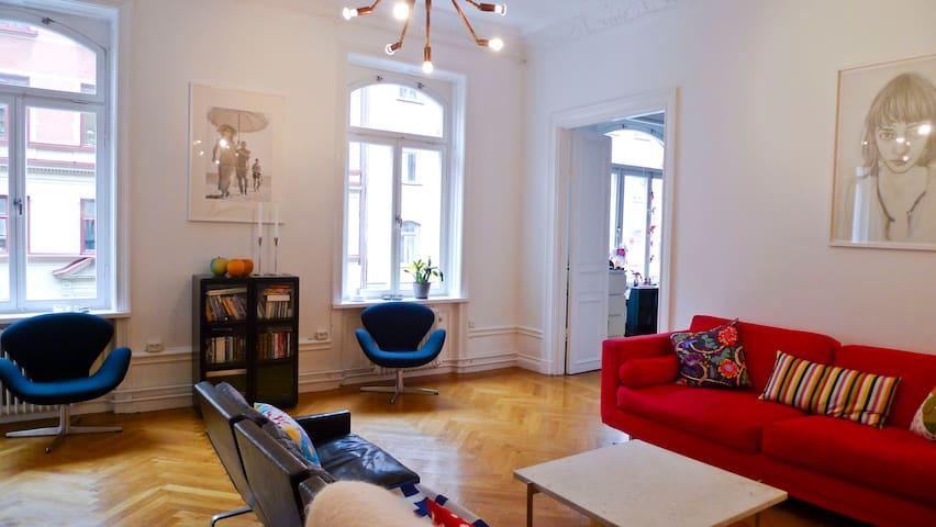 charming 3bedroom apt in the city wohnungen zur miete in stockholm stockholm schweden. Black Bedroom Furniture Sets. Home Design Ideas