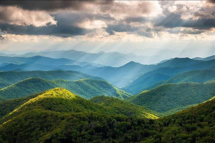 Tranquility Ridge Mountain Cabin