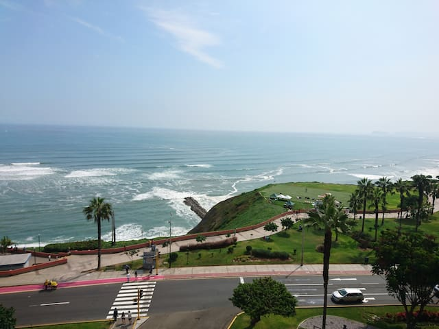 Nice ocean view, best location in Miraflores