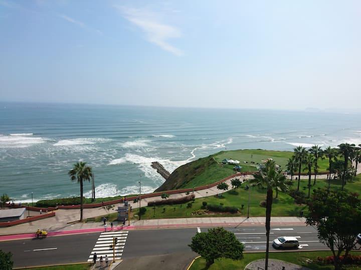 Nice ocean view, best location in Miraflores