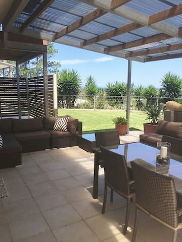 COFFS GOLF AND OCEAN VIEW APARTMENT - Coffs Harbour - Lägenhet