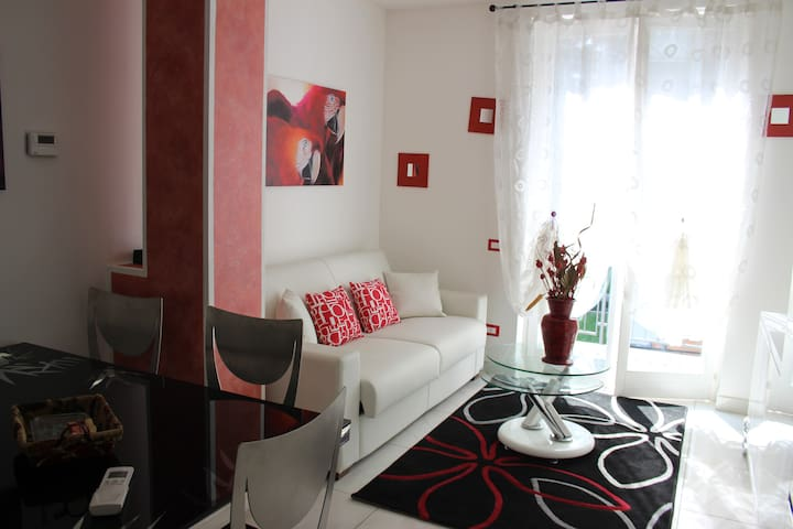two-room apartment in villa 15 min from Milan - Brugherio - Leilighet