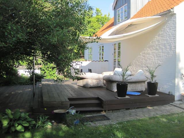 5 km fra Aarhus C, 1,5 km til havet - Højbjerg - Villa