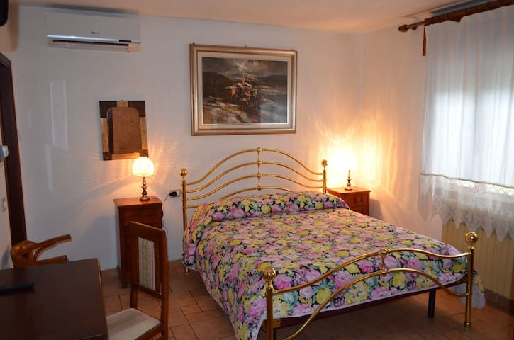 Camere in Bed & Breakfast a Rovigo - Rovigo - Pousada