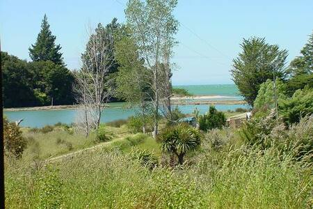 Kakariki Cottage, Coastal Retreat - Takaka, Golden Bay, New Zealand - Hus