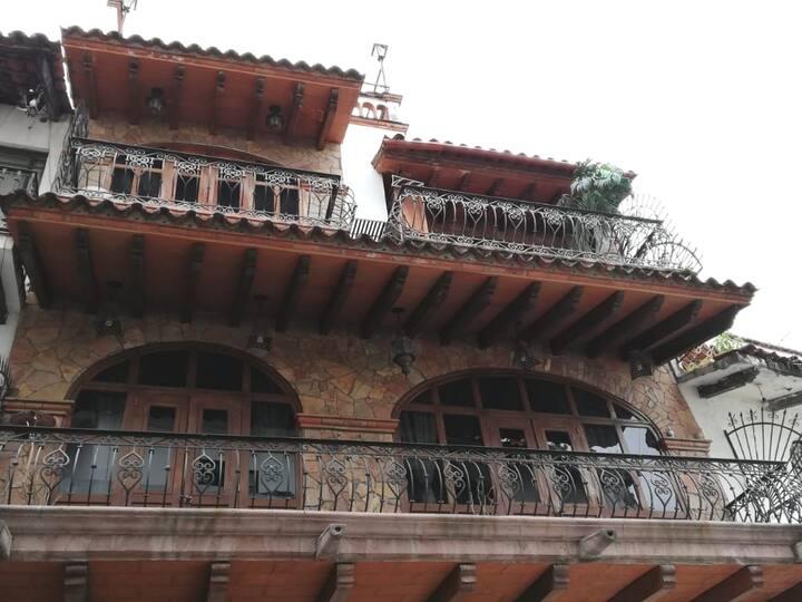 """Casa """"San Miguel"""" Casa completa para 8 personas."""