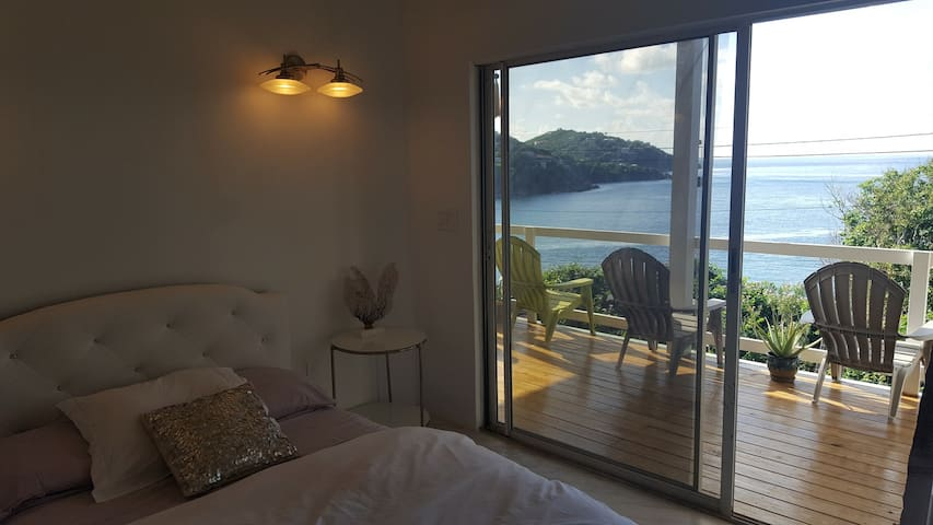 Oceanfront Eco Suite-Lavender Pearl - Cruz Bay - House
