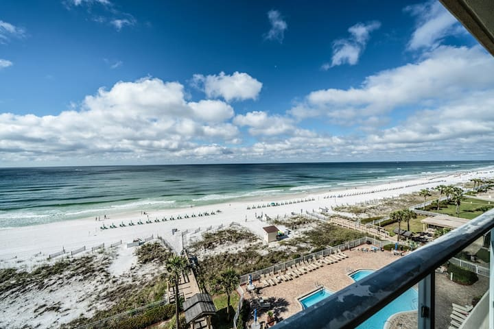 Incredible Views~2BR Sterling Sands~Beach Service