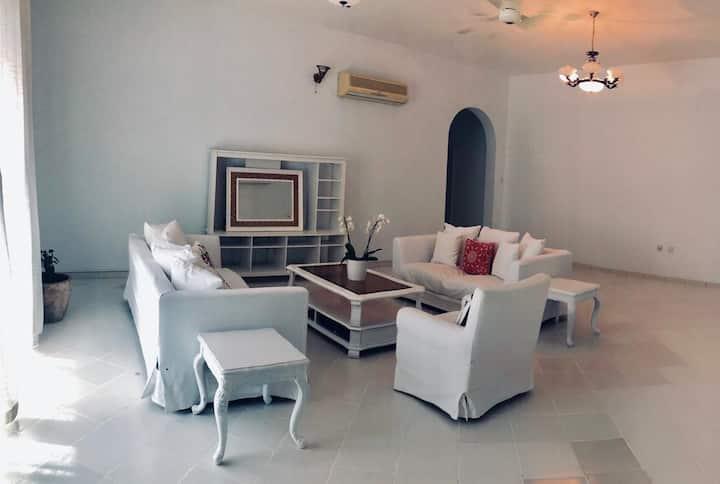 Amazing summer offer-wonderful,huge master bedroom