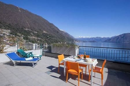 Luxury Silver Lake SKY3 lake view - private garage - Argegno - Lejlighed