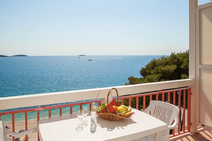 Hotel Zora Premier Family Room - Primošten - ที่พักพร้อมอาหารเช้า