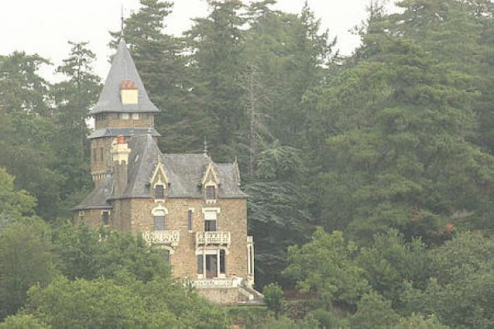 View of Chateau from adjacent field