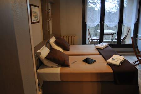 joli petit studio - Villefort - Condomínio
