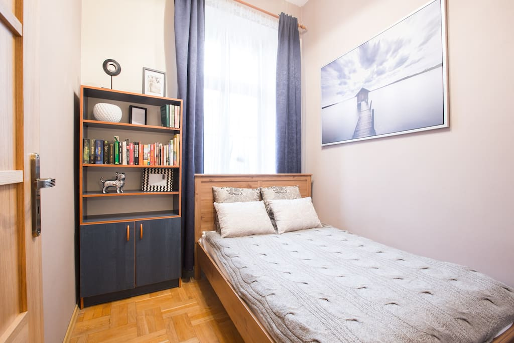 2nd bedroom (double bed with IKEA Sultan mattress)