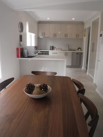 Bellerive Beach Cottage-Walk to beach+10 mins CBD - Bellerive