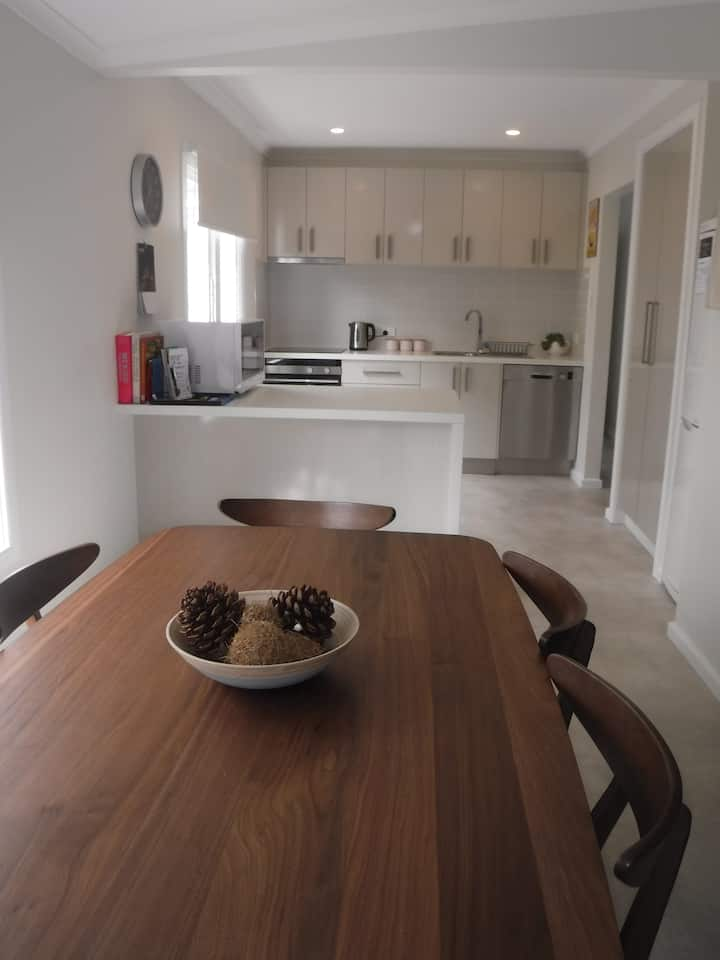 Bellerive Cottage Hobart-family and dog friendly!