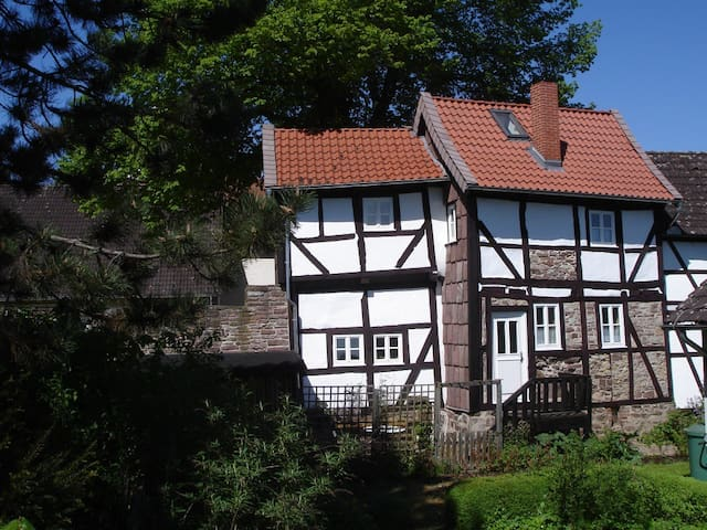 Cottage in the Weser Mountains - Dassel - บ้าน