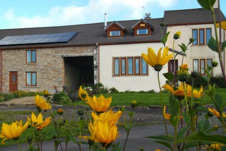 Cosy farmhouse B&B - Rossendale