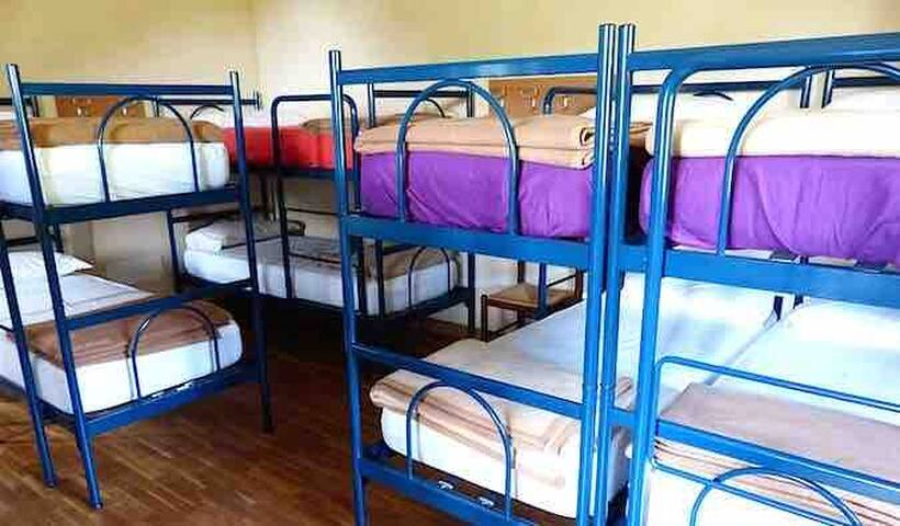 Teban garden road Bunk bed $30 per person