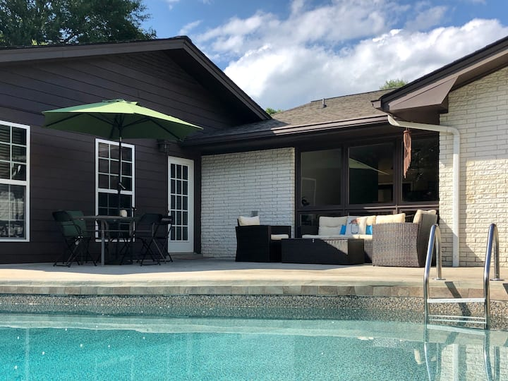 Entire Studio Hideaway With Pool