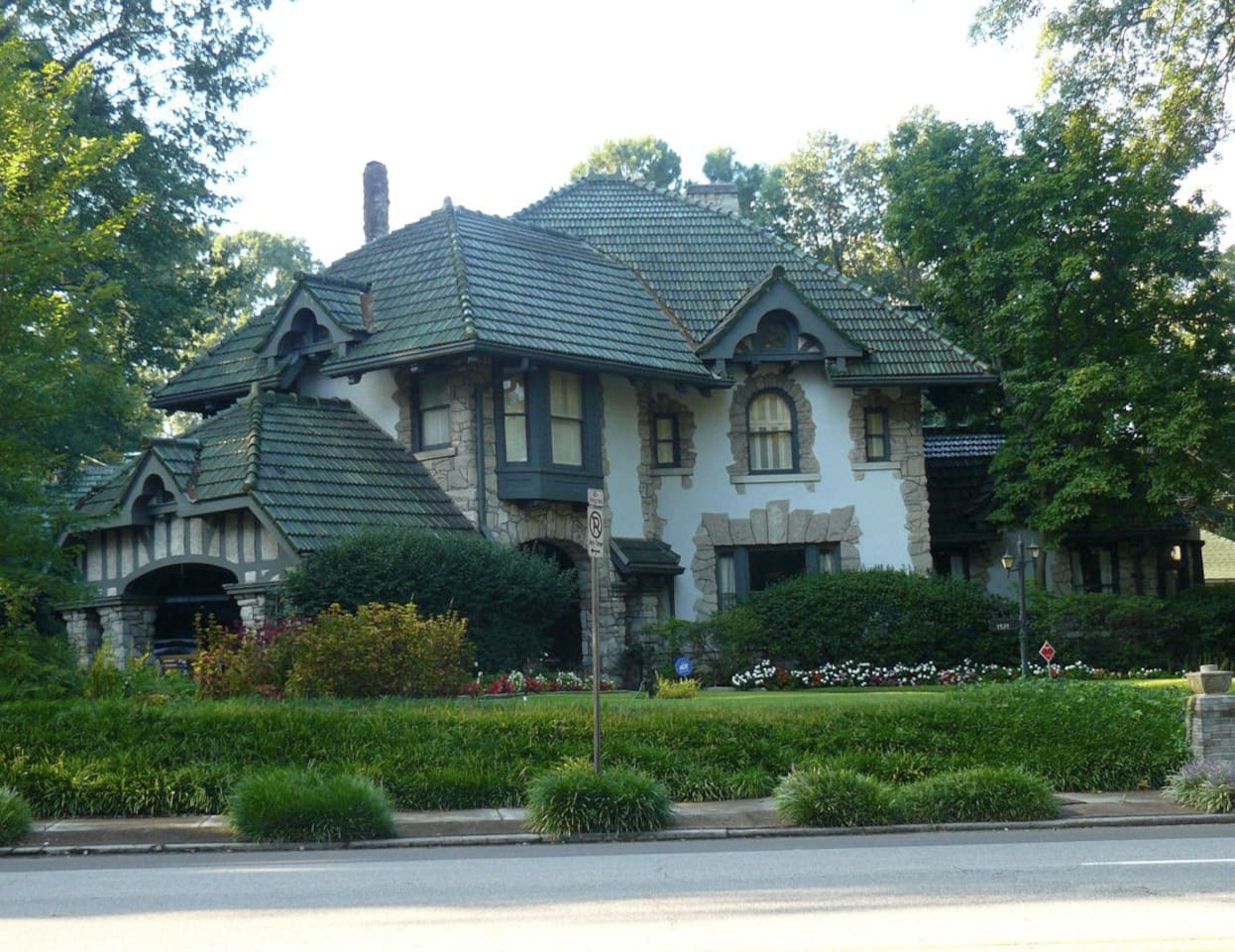 Main House - The Carriage House is located behind the main house at the end of the driveway.