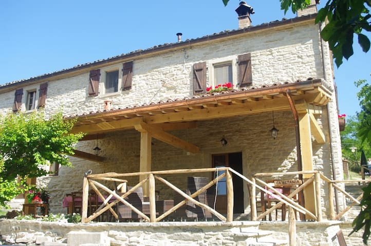 Great holiday on an agriturismo in Le Marche Italy - Mercatello Sul Metauro