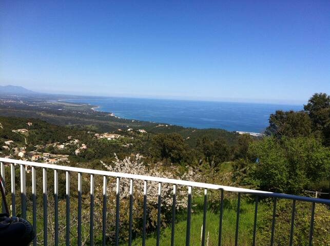 Villa, superbe vue mer & montagne - Sari-Solenzara - House
