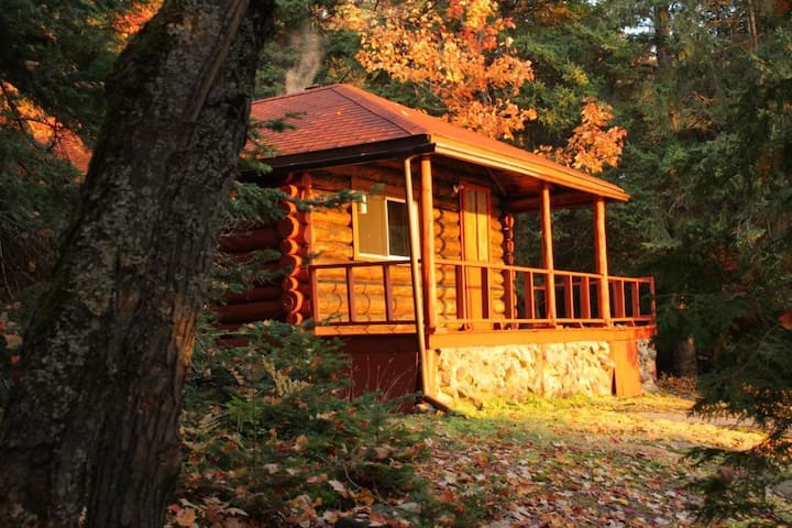 Welcome to the Studio Log Cabin - Corbeil - Cabaña