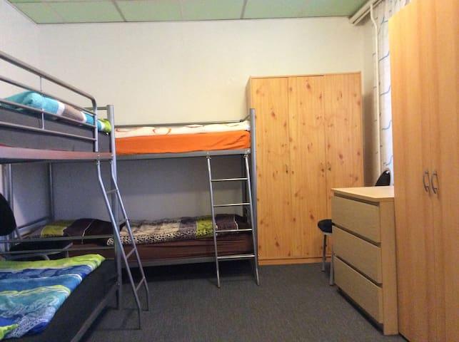 6-er-Zimmer für max. 6 Personen - Rostock - Bed & Breakfast