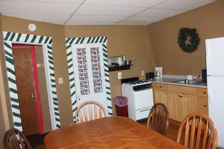 The Gingerbread Inn And Farm Santa's Sweet Retreat