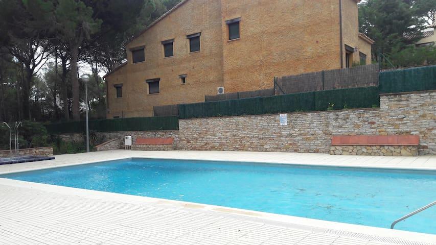 APARTAMENTO 6 PLAZAS CON PISCINA EN PLAYA DE PALS - Pals - Apartment