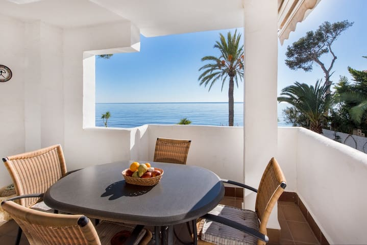 Bright holiday appartment with pool by the sea - Altea - Apartment
