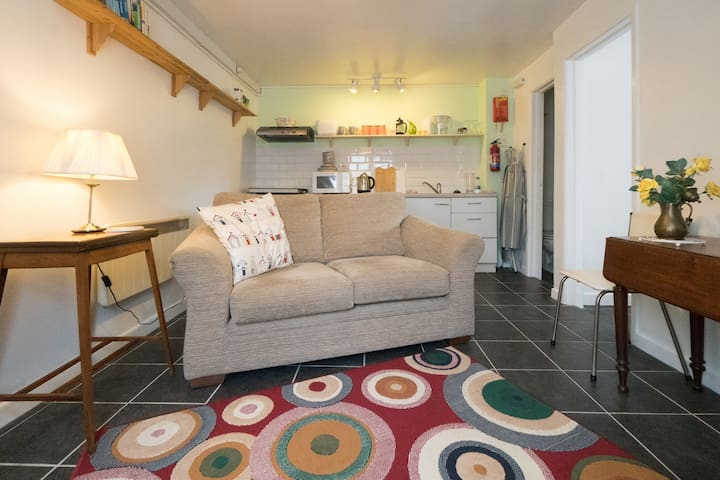 Riverside Apartment  Grab a bargain in Lostwithiel
