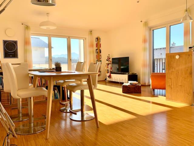 Moderne & sonnige Wohnung nahe Rosenheim