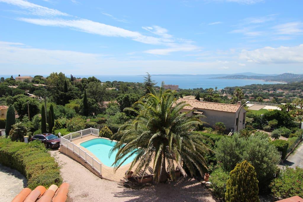 Grillons appart 6 8 pers dans villa piscine maisons for Piscine roquebrune sur argens