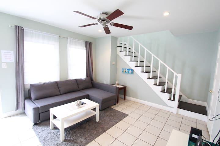 Simple and Comfortable flat in Historic LB