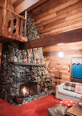Amazing fireplace to enjoy.