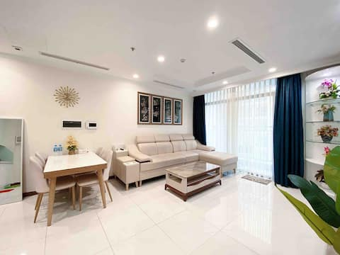 经典公寓,2间卧室2间浴室,宽大沙发,高楼层,具有里程碑意义的景观81