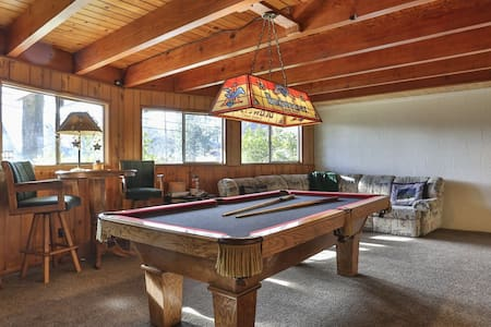 3LEVEL A FRAME+GAMEROOM+POOL-POKER TABLE+BBQ DECK