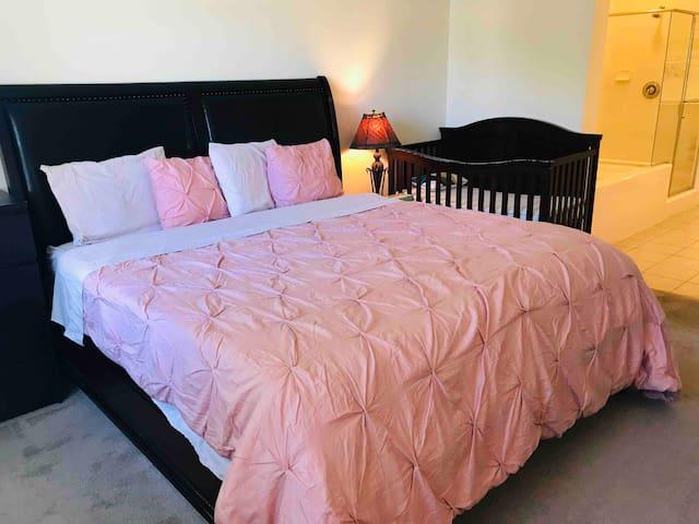 洛杉矶Irvine高尚社区的舒适大套房