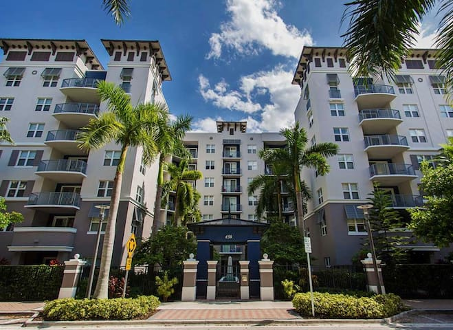 Luxury 1 bed apt. in the heart of Ft. Lauderdale