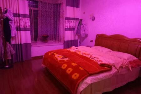 温馨2居室。可免费停车。早点免费。热线阿姨为你准备早点还有惊喜礼物 - 杭州市, 浙江省, CN - Bed & Breakfast