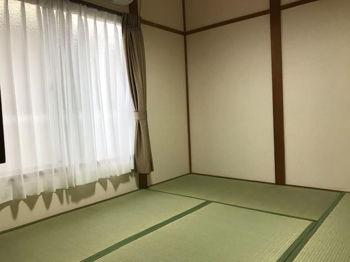 西陣(101)京都駅から天神公園前市バス停徒歩3分の京都西陣のゲストハウスです。
