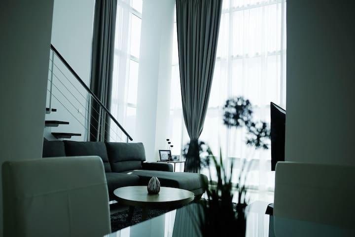 Stylish Georgetown Duplex Suite