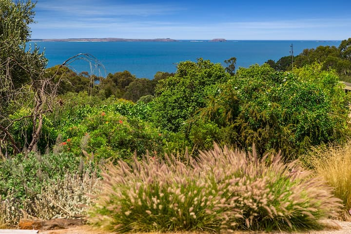 Breathtaking Panoramic Westernport Views from the Garden