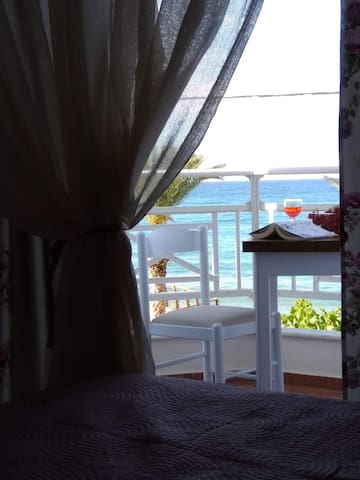 cosy apartment with sea view 1
