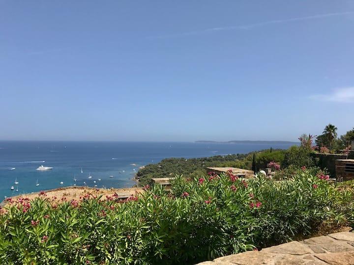 Villa au calme, vue sur mer sublime, domaine privé